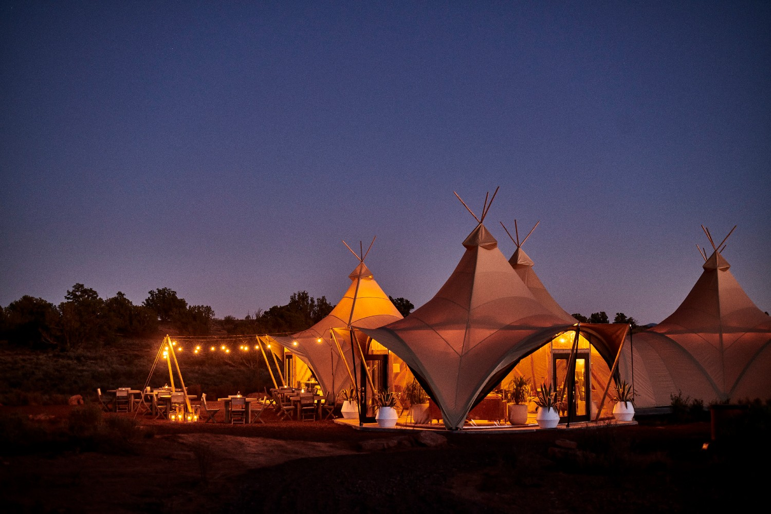 Glamping tent tee pees